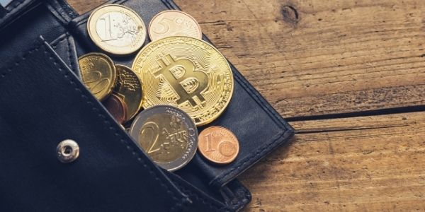 cryptocurrency-hot-cold-wallets