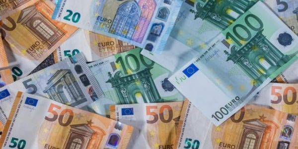 The Euro is Under Pressure, Declines as USD, GBP Gains